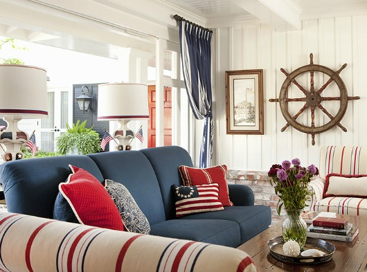 Blue sofa decor ideas coastal decor ideas and interior design inspiration images for Red and blue living room ideas