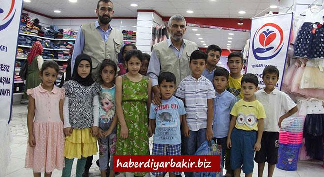 Yetimler Vakfı Diyarbakır'da 120 yetimi giydirdi