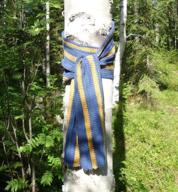 Får jag ta fram min blågula halsduk och heja på våra svenska medaljhopp nu   Jag påbörjade den vid fotbolls-EM tidigare i sommar be961a9f0e75c