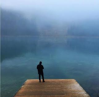 Những hồ nước phủ sương mơ màng khi sang đông 10