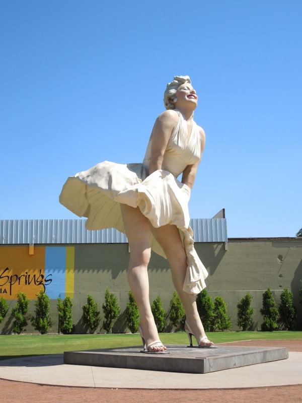 Giant Marilyn Monroe sculpture Palm Springs