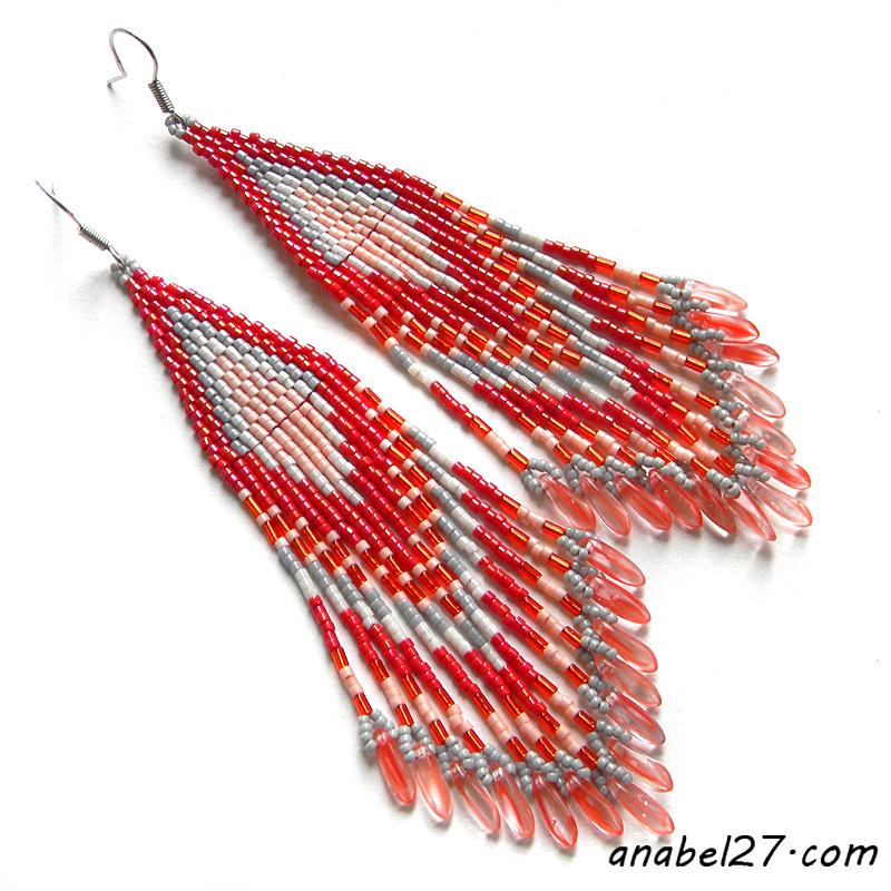 Длинные красные серьги из бисера