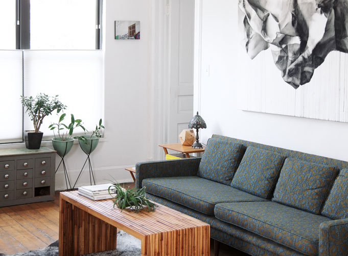 Wood grey inspiration on a rented house tr s studio for Decoracion industrial online