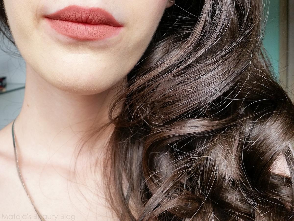 I am a lip liner fetish