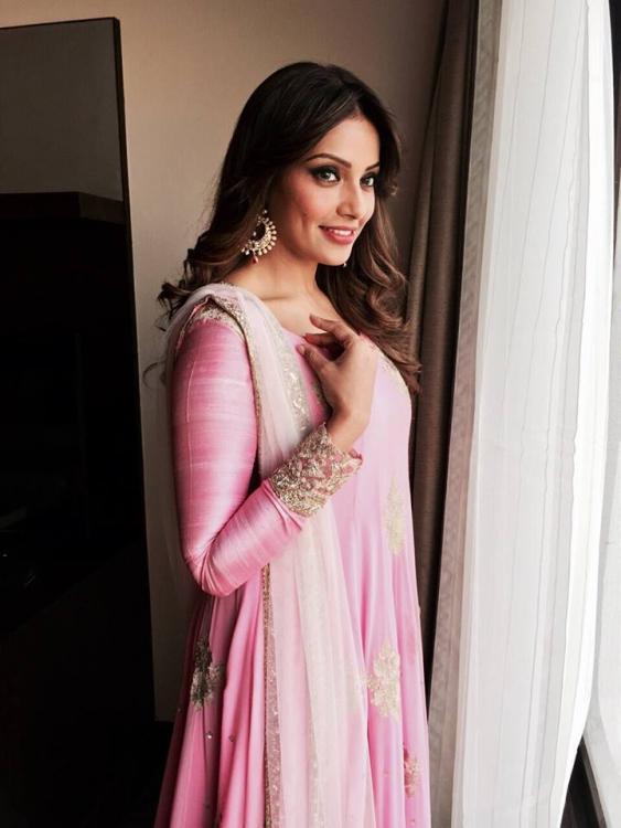 Bipasha Basu Hot Photos For Pc Jewellery  Indian Girls -6710