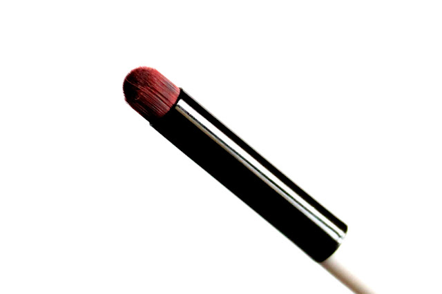 Colorbar Smokin'Eyes Smudger Brush review and eye makeup, price and buy online india