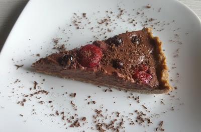 FIT Tarta kakaowa z owocami