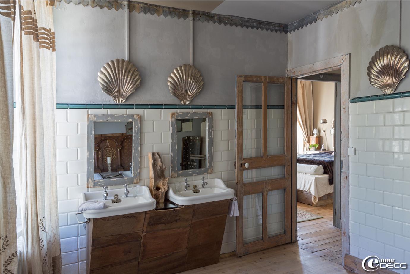 echelle salle de bain alinea. Black Bedroom Furniture Sets. Home Design Ideas