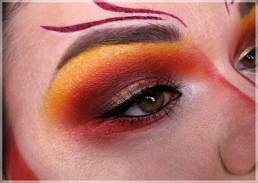 Gryffindor eye makeup