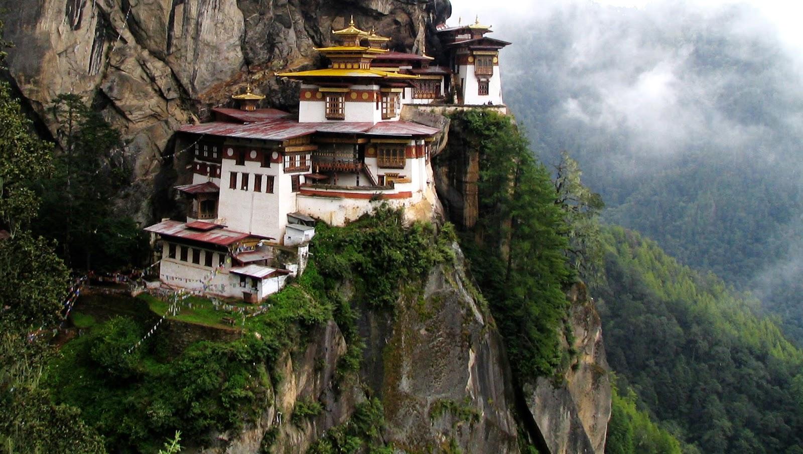 TURISMO DE ALTURA PARA MEDITAR, Taktshang, Nido del Tigre, Valle de Paro, Bután 1