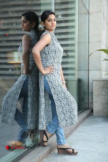 Telugu Television Actress Karuna Latest Pos In Denium Jeans  0086.JPG