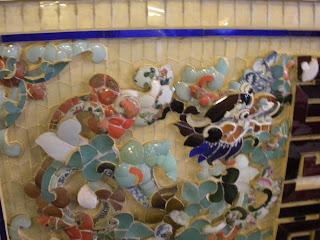 Ceramicas en la tumba Imperial Khai Dinh de Hue