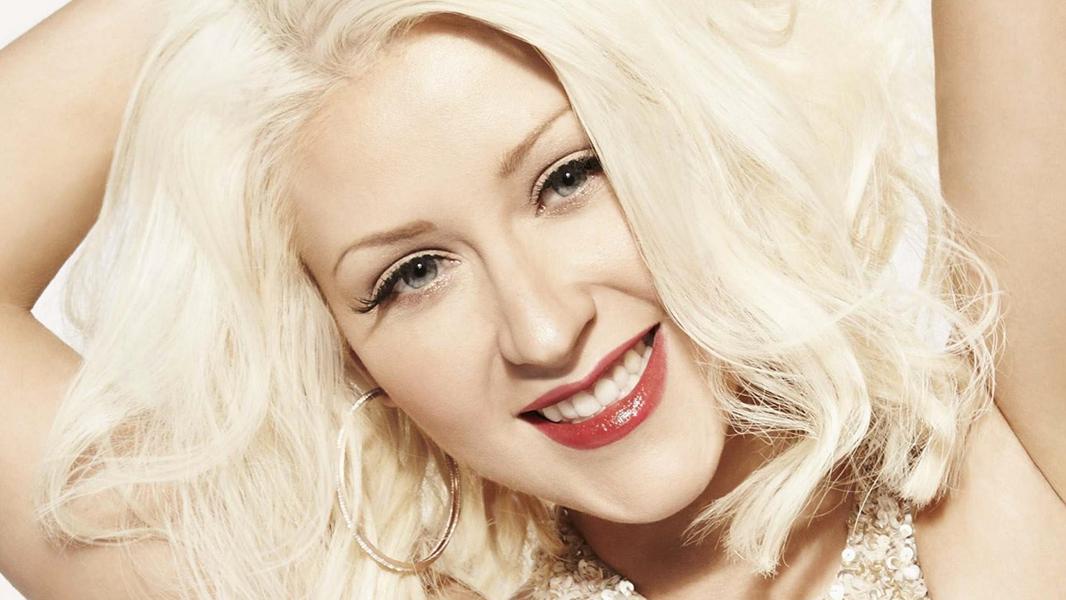 Sem lançar um disco desde 2012, a cantora está confirmada no Carpool Karaoke, do James Corden, e também deverá se garantir em premiações.