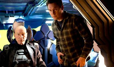 Patrick Stewart şi regizorul Bryan Singer la filmările X-Men Days Of Future Past