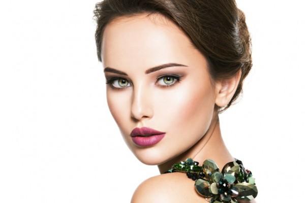 7 Kesalahan Ber-Makeup Ini Dapat Membuat Kulit Wajah Cepat Rusak