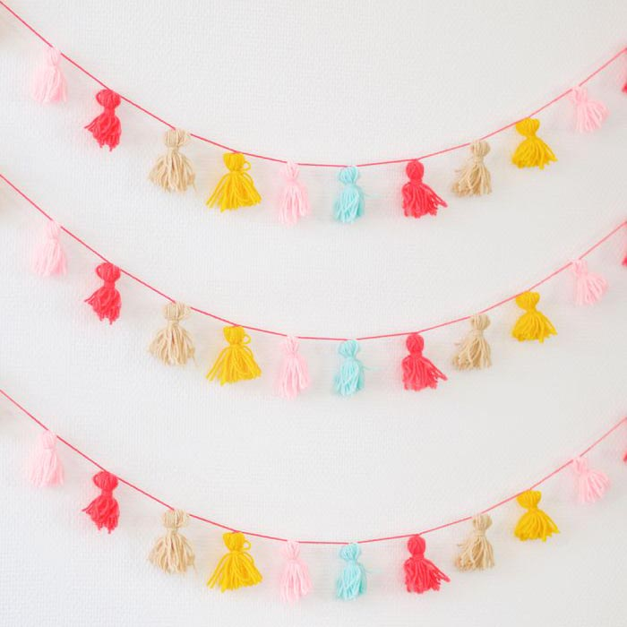DIY SUMMER: guirnalda de pompones de colores