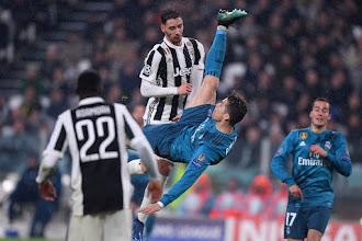 Στα 2.30μ. πήδηξε ο Ρονάλντο για να βάλει το γκολ του αιώνα