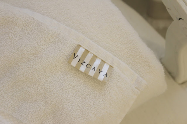 image result for Vizcaya JR Industries white luxury bath towel
