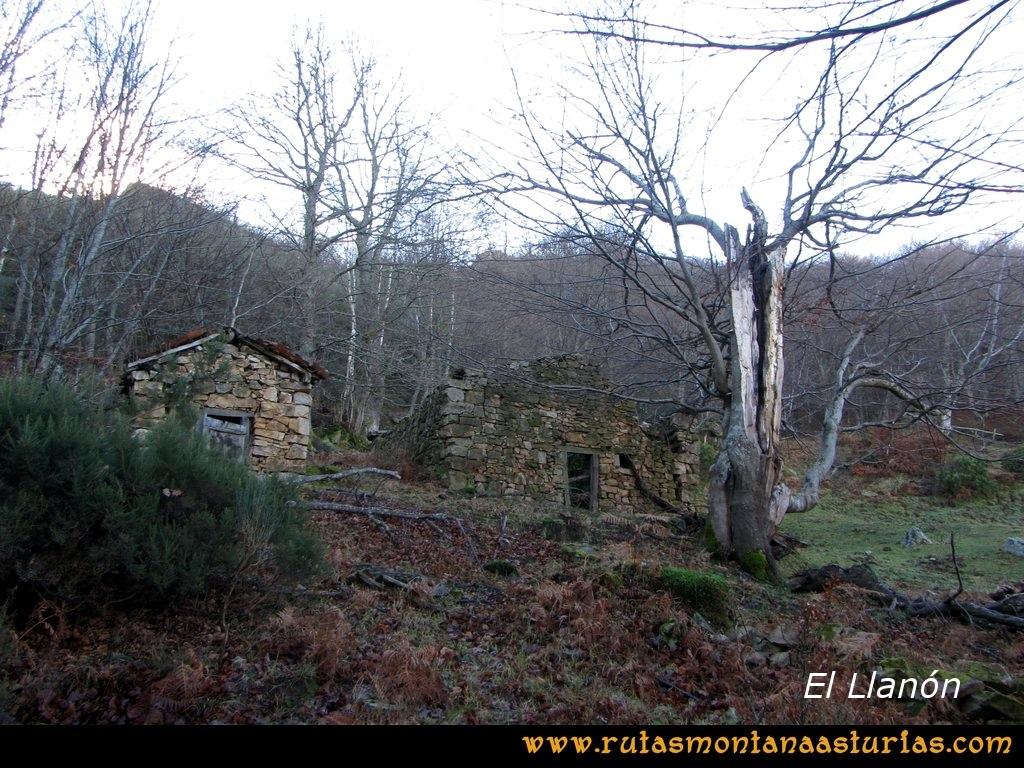 Ruta Tromeu y Braña Rebellón: Cabañas en El llanón