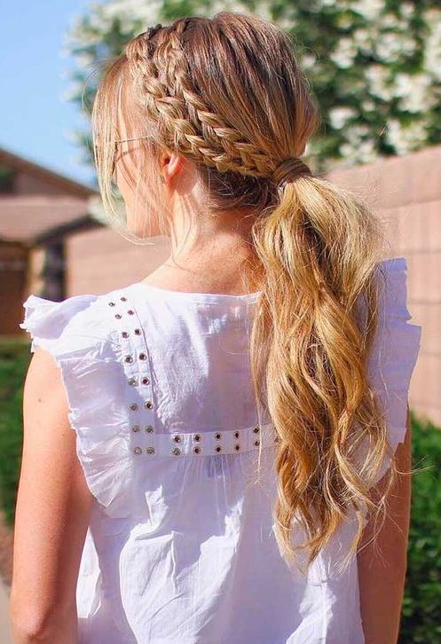 Easy Summer Hairstyles to Wear During Dog Days