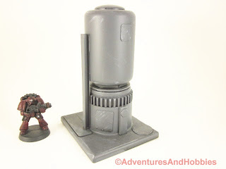 Short vertical storage tank for 25-28mm scale wargames - side view 2.