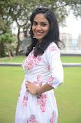 Ritu Varma dazzling in white n white-thumbnail-20