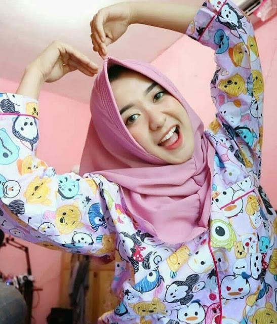 Beautiful Hijaber From Malang