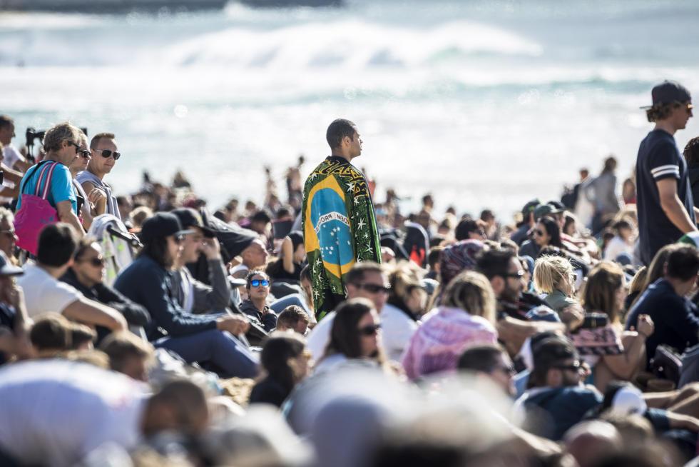 10 Crowd quiksilver pro france 2016 foto WSL Poullenot Aquashot