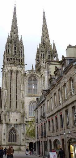 Quimper, Cathédral St-Corentin.