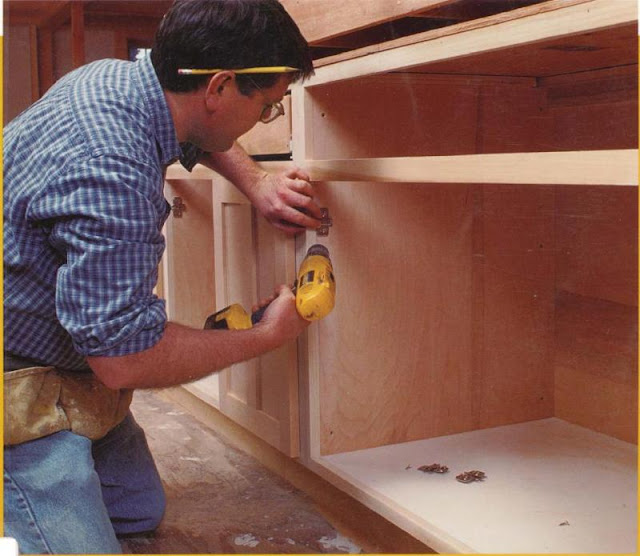 Фото сборка и ремонт мебели