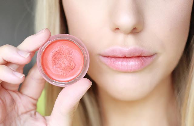 how to wear a red lip exfoliate
