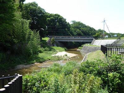 私市水辺プラザ  日の出橋
