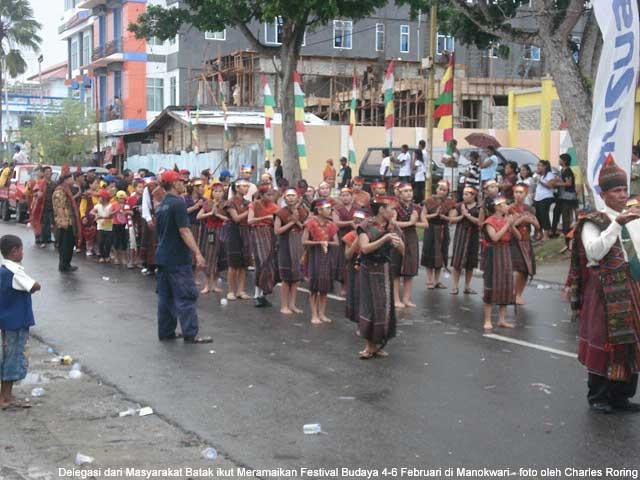 Suku batak ikut memperingati hari Pekabaran Injil di Tanah Papua