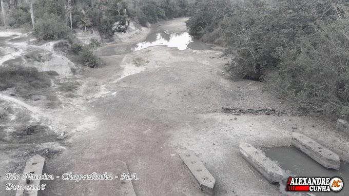 Tristes Imagens : Seca que castiga o Rio Munim.