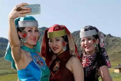 7 suku pedalaman penghasil wanita tercantik di dunia