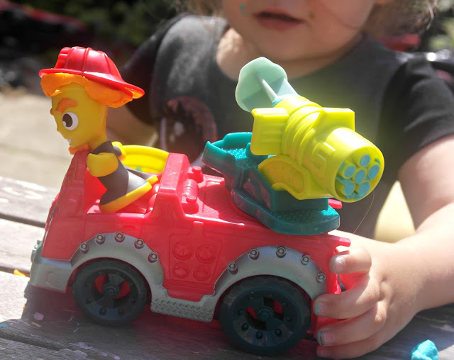 Play-Doh Town Fire Truck Hasbro - Blog Review