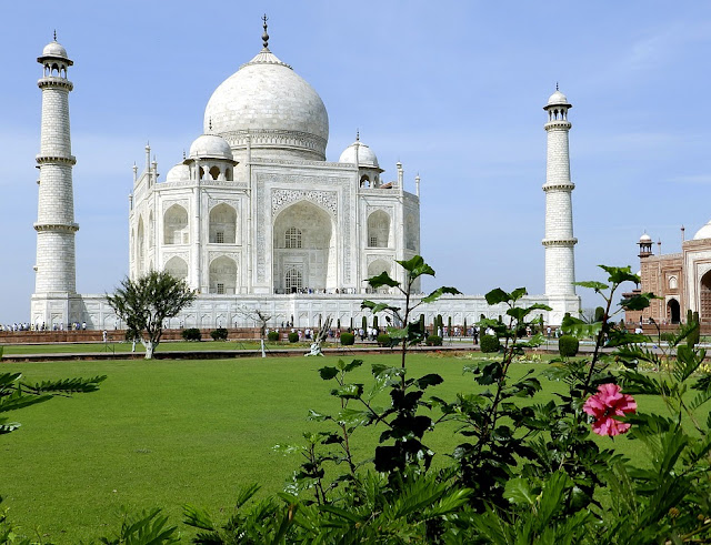 facts about the taj mahal in india