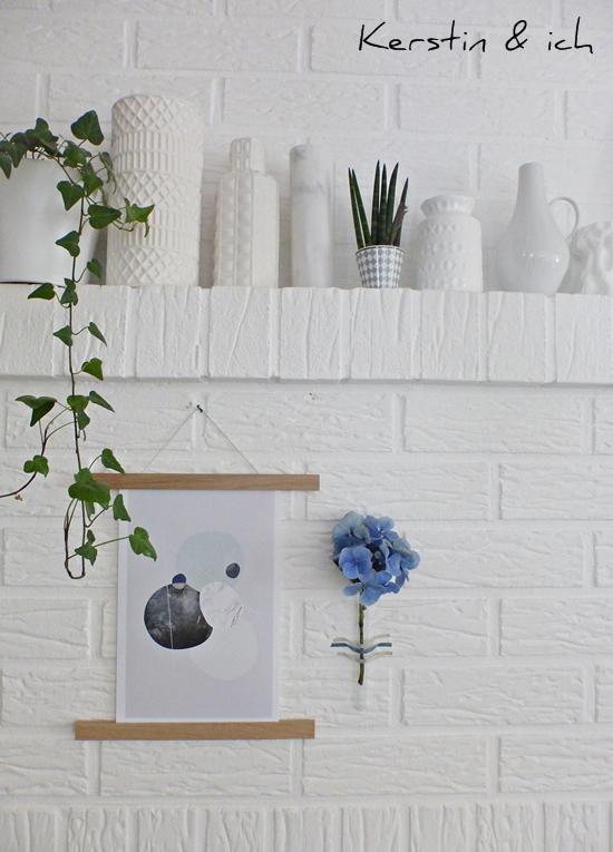 Dekoration mit weißen Vasen, Graphic Print und Hortensie