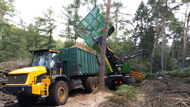 Dutch Dragon EC6060 met chipbox en JCB Carrier