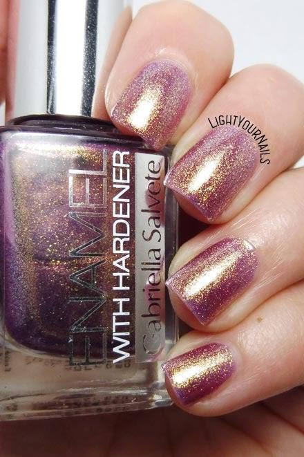 Smalto rosa antico dorato Gabriella Salvete rose gold shimmer nail polish #gabriellasalvete #nails #unghie