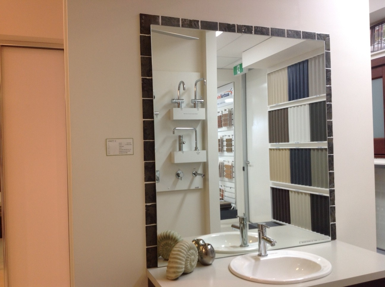 Recessed Shaving Cabinets V And V 39s Metricon Phoenix Brooksreach Horsley Internal