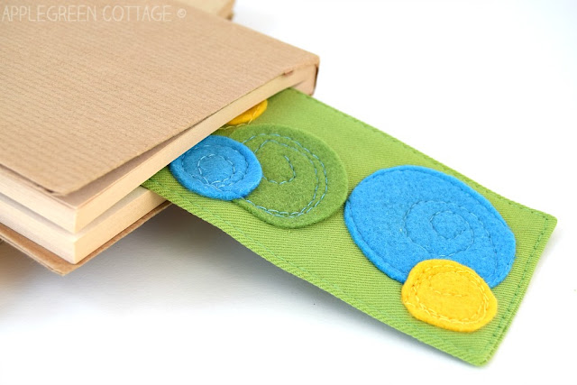 Quick and easy diy bookmarks anyone can do, and there's a free PDF template with additional cutout designs, each in 3 sizes: paisley, circles and two types of stars. Plus: an easy-sew trick that will make your bookmark corners beautiful. Check it out!
