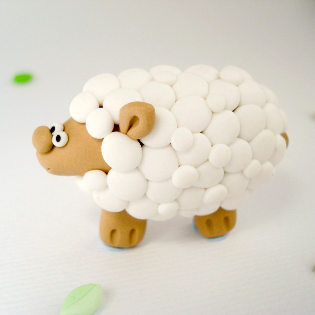Daisy the sheep brooch - Little Creatures
