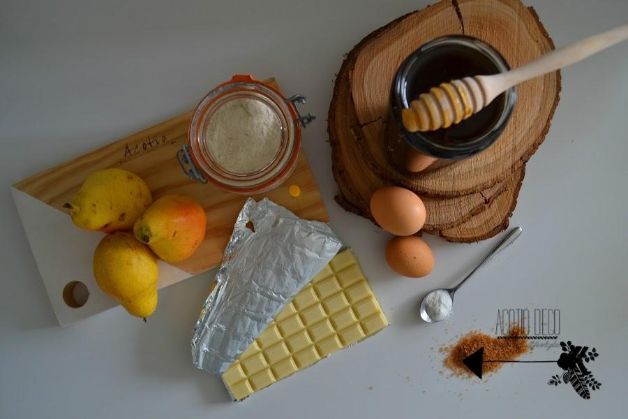 Magadalenas de pera y chocolate blanco