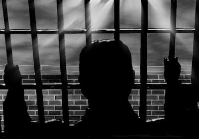 A prisión por revelar el listado de clientes de la empresa