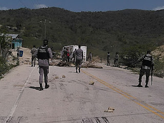 Agricultores bloquearon carretera San Juan - Bahoruco, en demanda de una electro bomba