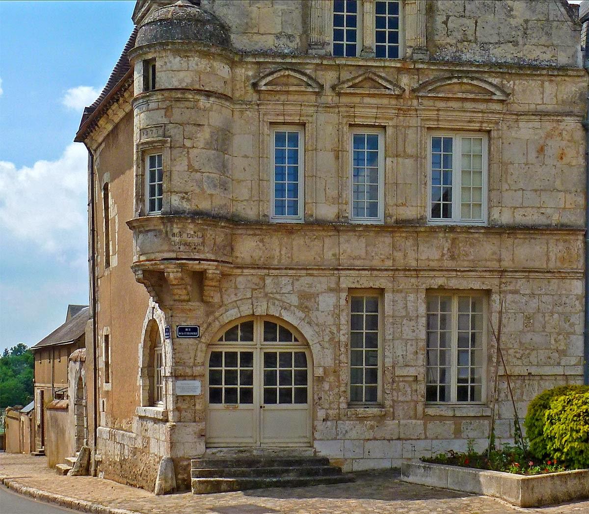 Best Kitchen Gallery: Living The Life In Saint Aignan Une Maison Renaissance of English Renaissance Architecture on rachelxblog.com