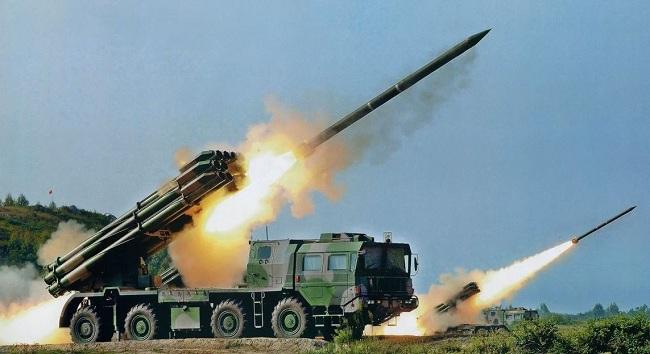 Βίντεο: Eκτοξεύσεις τακτικών βαλλιστικών πυραύλων Iskander-M από το ρωσικό Στρατό