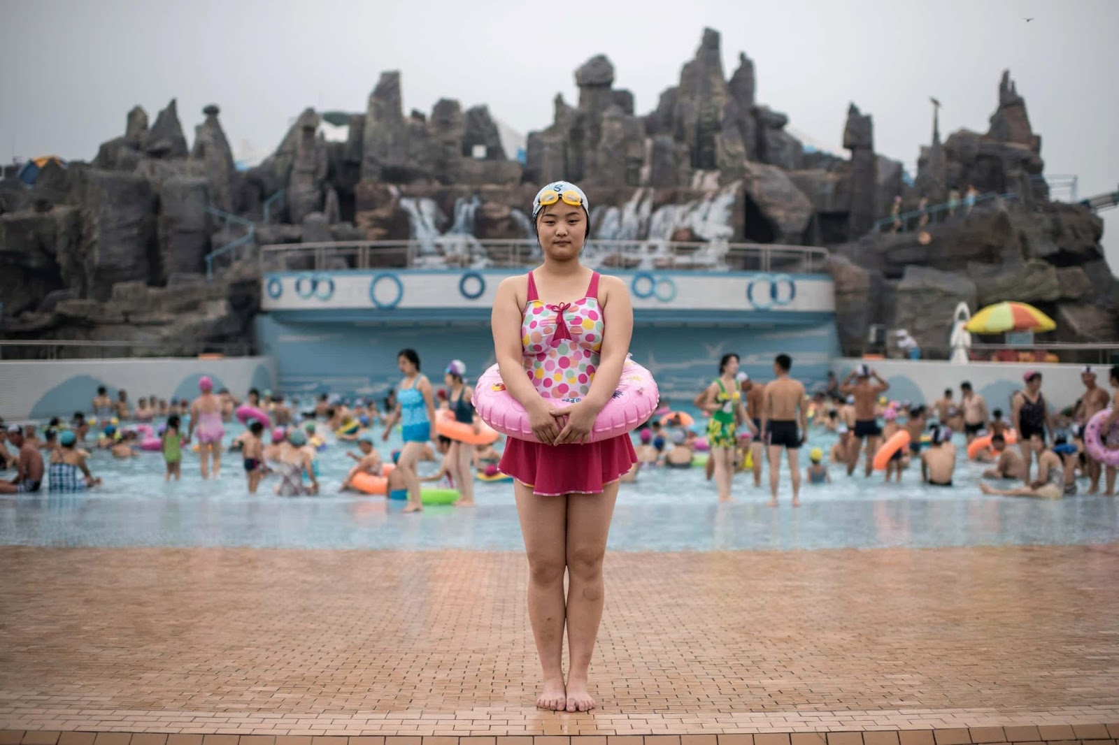 25 Of The Most Intriguing Pictures Of 2017 - Swimmer at the Munsu water park in Pyongyang