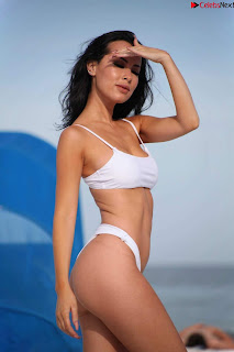 Lisa Opie  in sizzling bikini lovely  sizzling CELEBRITY.CO Exclusive Celebrity Pics 030